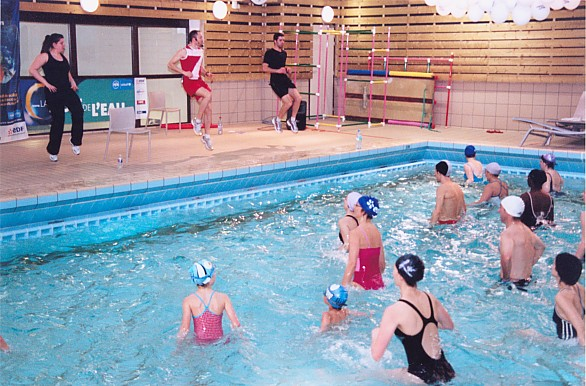 Articles 2e nuit de l 39 eau le samedi 21 mars piscine for Aquagym piscine paris