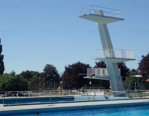 Centre nautique de divonne les bains for Piscine varembe