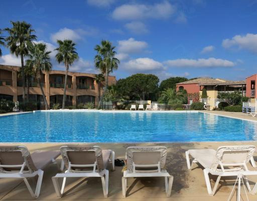 Pierre vacances cannes mandelieu for Cannes piscine municipale