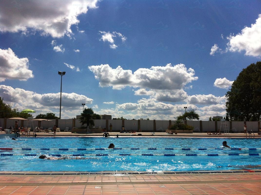 Le guide des 5 piscines de limoges for Piscine de beaublanc