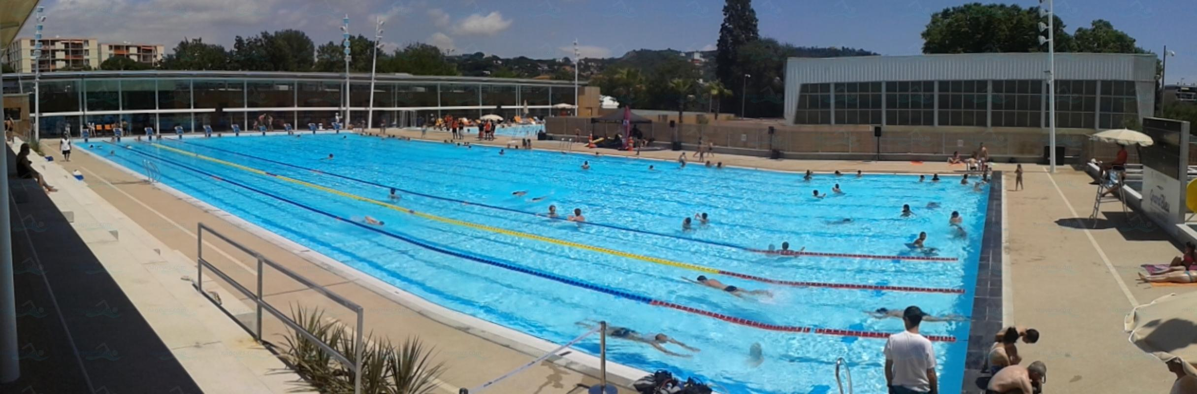 Photos centre aquatique grand bleu for Cannes piscine municipale