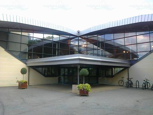 Photos centre aquatique de montigny le bretonneux for Piscine du lac tours