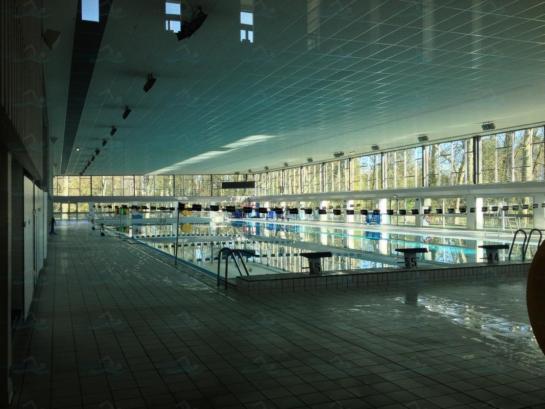 Piscines france rh ne alpes les piscines savoie 73 for Piscine du morel