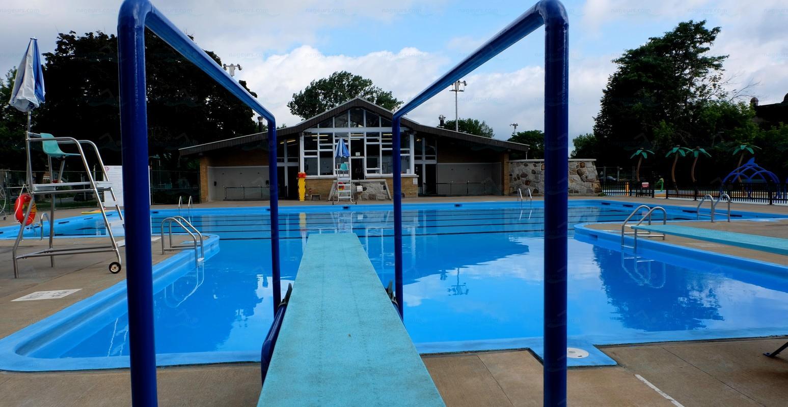 Annuaire des piscines canada piscines for Piscine 50m montreal