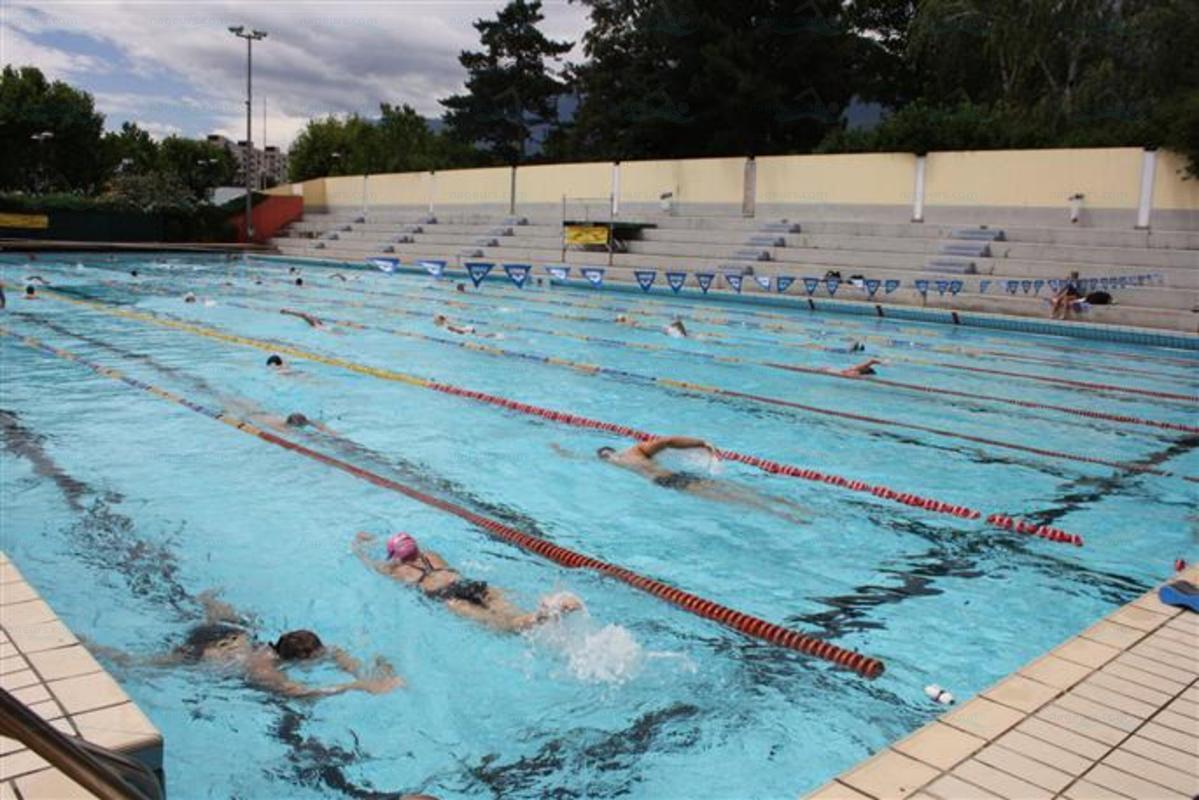 Piscines france rh ne alpes les piscines is re 38 for Piscine seyssinet