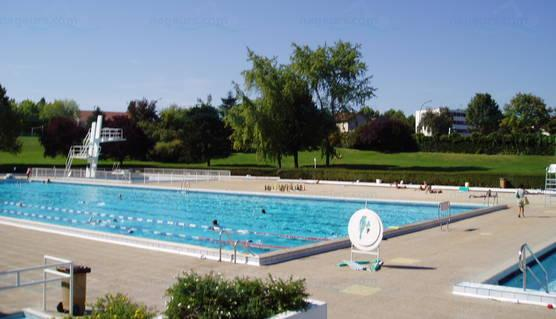 Les meilleures piscines en ext rieur proximit de paris for Piscine 50m paris