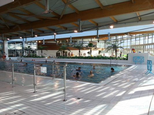 Piscines france ile de france les piscines val d for Piscine ezanville