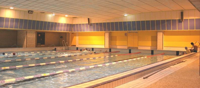 Le guide des 63 piscines de paris for Piscine armand massard aquagym