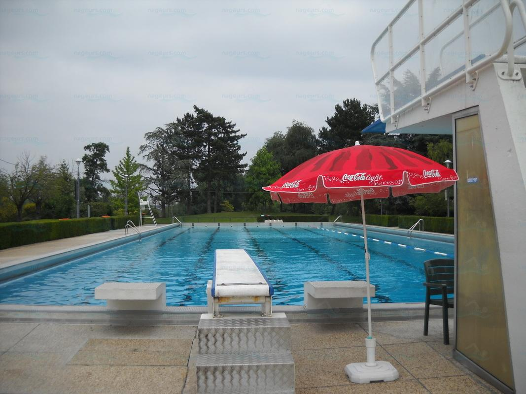 Piscine st cloud for Piscine garches