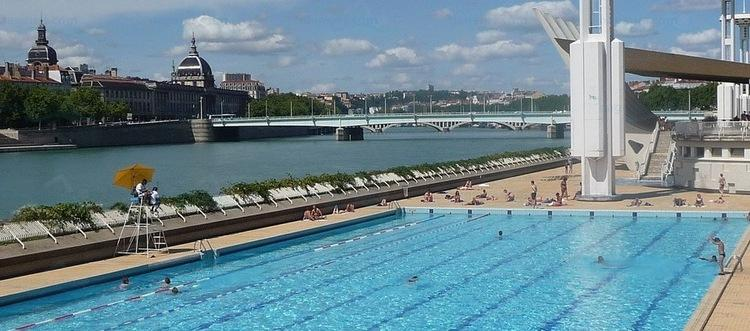 Installation d 39 une seconde piscine sur la seine for Piscine 50m paris