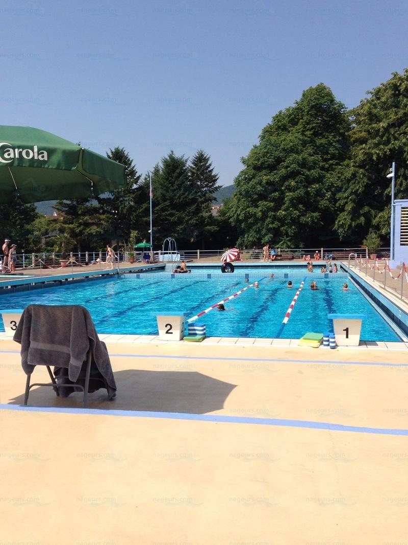 piscine avec toboggan 77