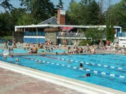 Piscines france rh ne alpes les piscines haute for Piscine seynod ile bleue