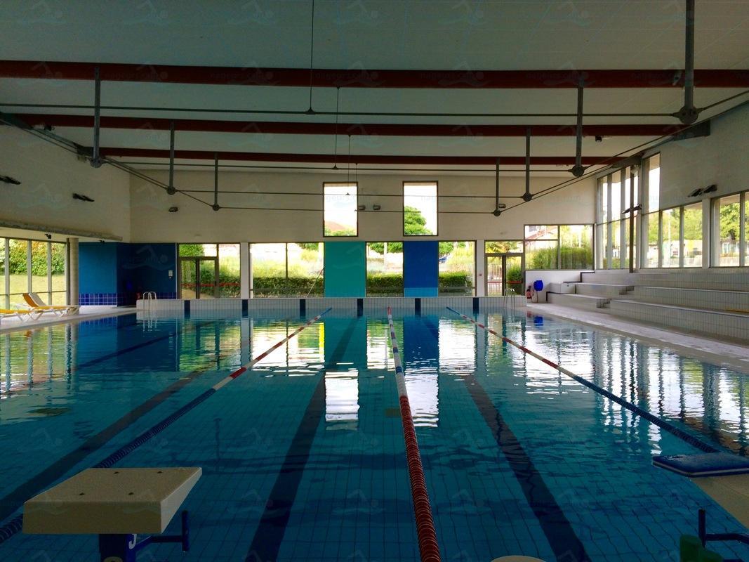 Piscines france bourgogne les piscines ni vre 58 for Piscine la charite sur loire