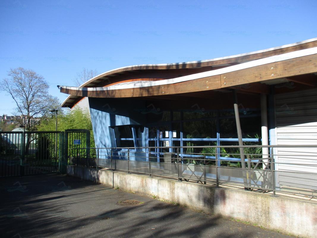 Piscines france ile de france les piscines essonne for Piscine mereville