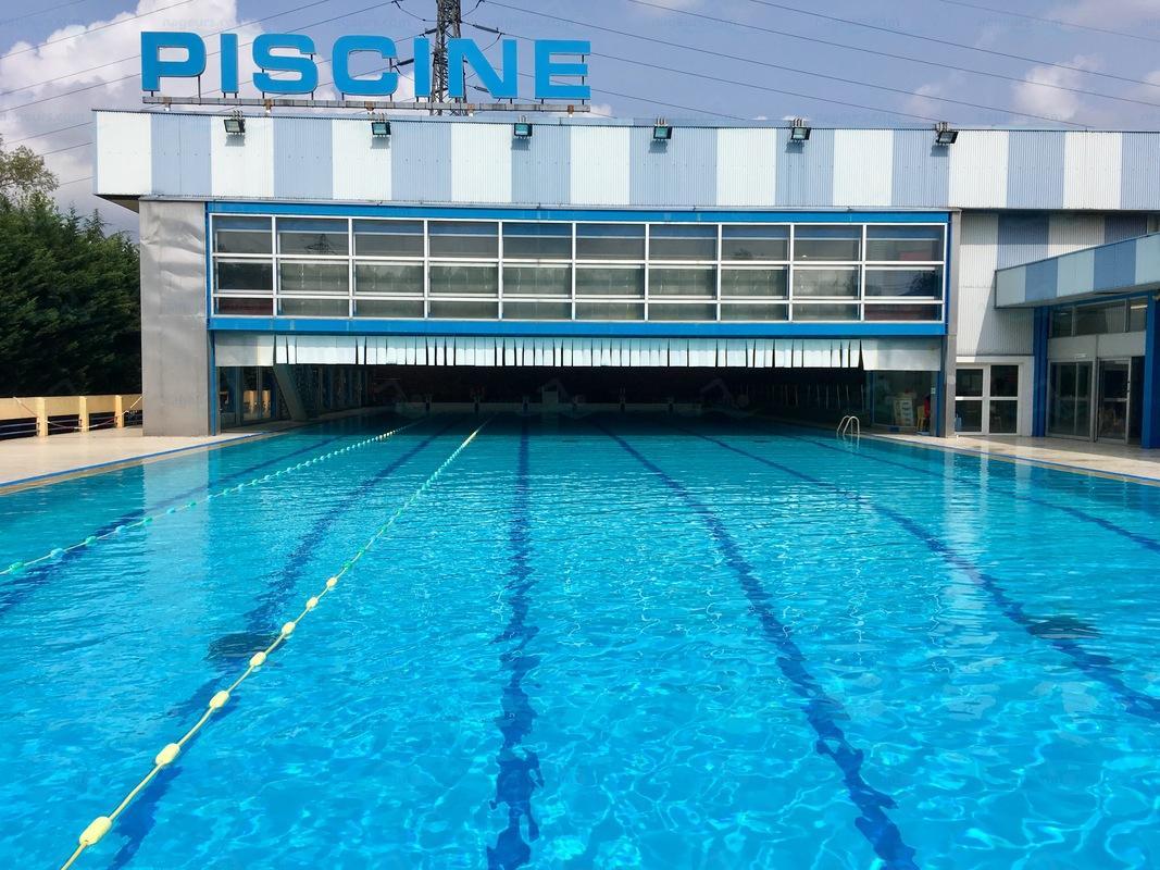 Le guide des 2 piscines de villeneuve la garenne for Piscine exterieur 92