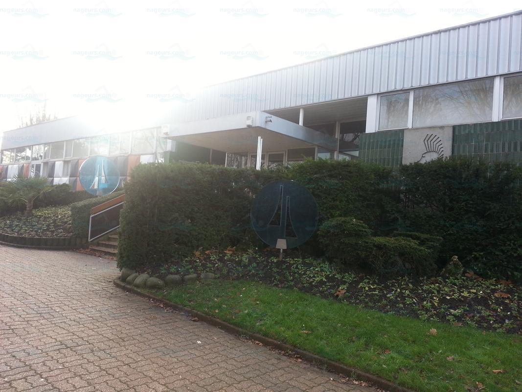 Photos centre nautique municipal de villeneuve saint for Piscine montgeron