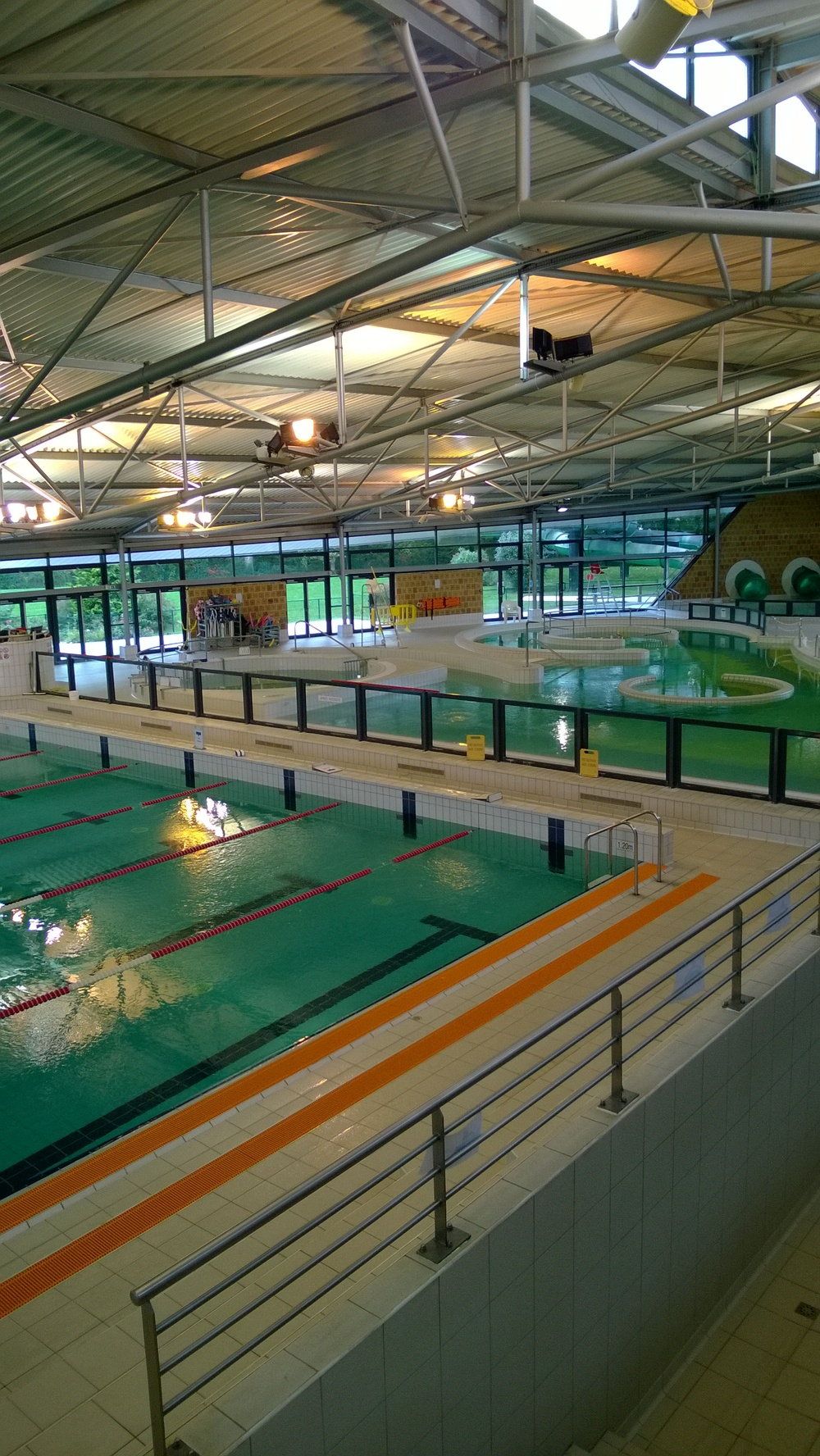 centre aquatique de montigny le bretonneux