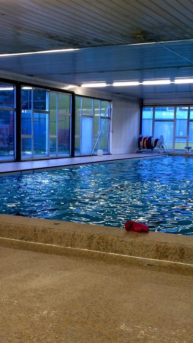 Piscine pierre de coubertin for Chevilly larue piscine
