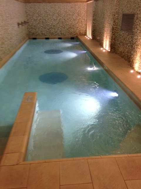 Best western plus hotel galles for Piscina suzzani