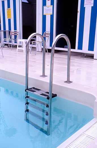 Articles les piscines du 4e arrondissement paris for Aquagym piscine paris