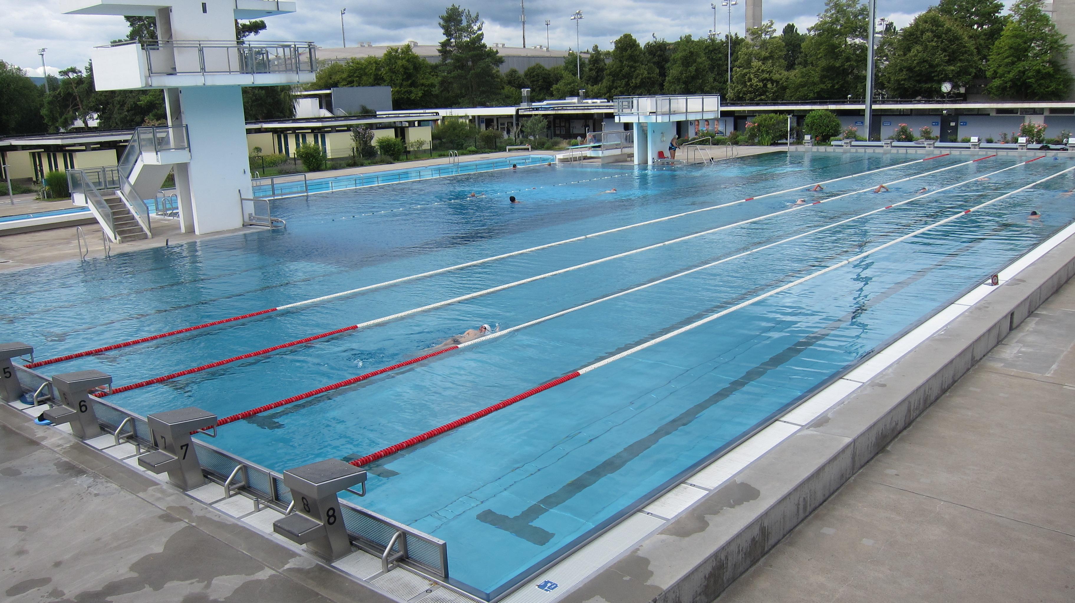 Natation vasion piscines et spots aquatiques du monde for Piscine 50m montreal