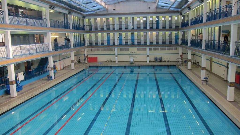 Natation vasion piscines et spots aquatiques du monde for Piscine quartier latin