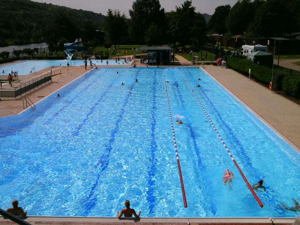 Natation vasion piscine en plein air grevenmacher for Plongeoir de piscine