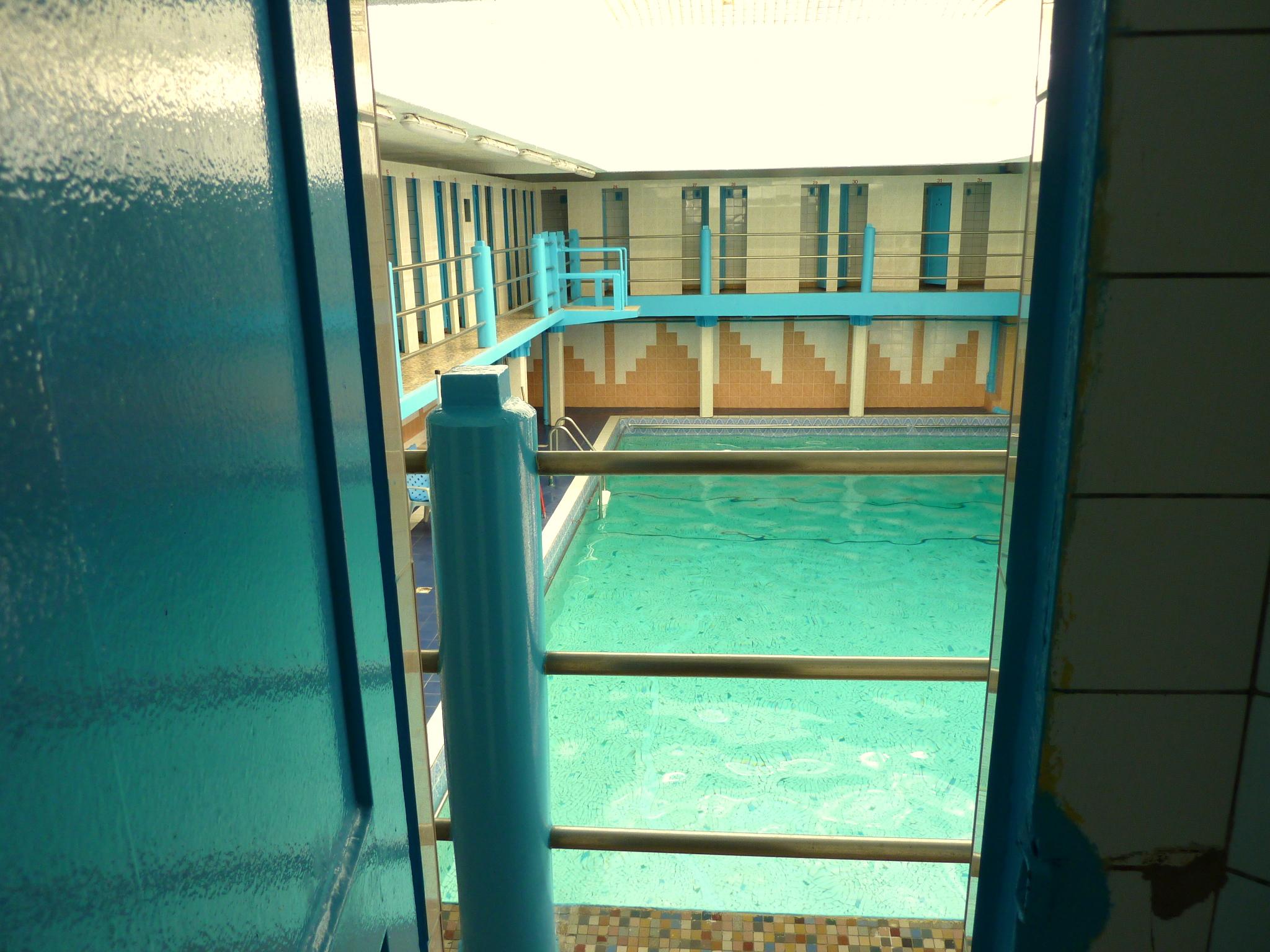 piscine oberkampf radio piscine. Black Bedroom Furniture Sets. Home Design Ideas