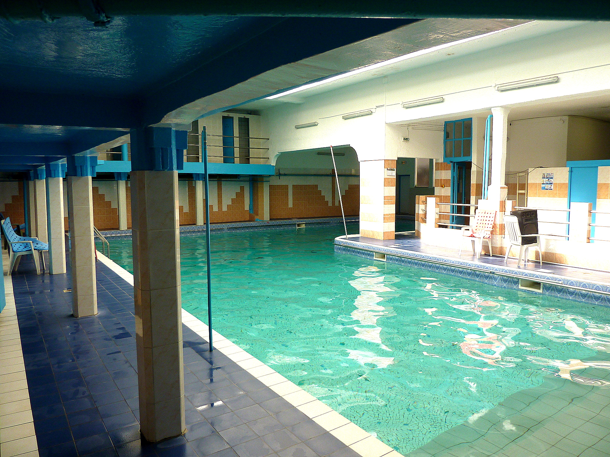Piscine oberkampf radio piscine for Piscine beaujon
