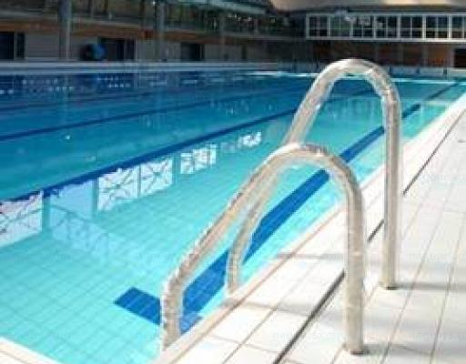 Centre nautique de bron for Piscine charial