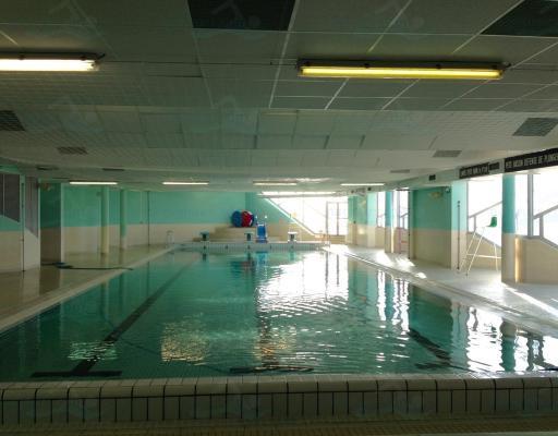 Vestiaire piscine 49 - 5 7