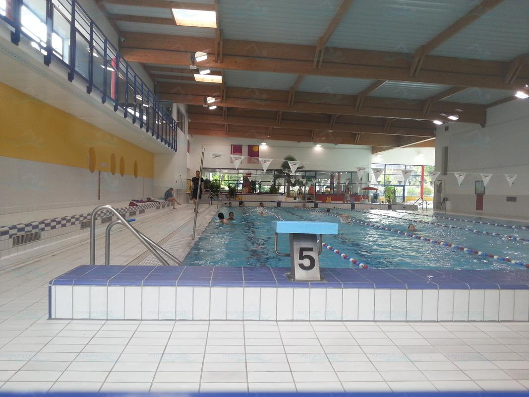 Photos centre aquatique bois colombes for Horaire piscine bressuire