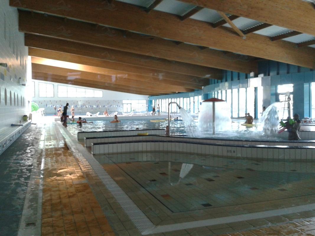 Design piscine municipale cassis pau 31 piscine for Adresse piscine molitor