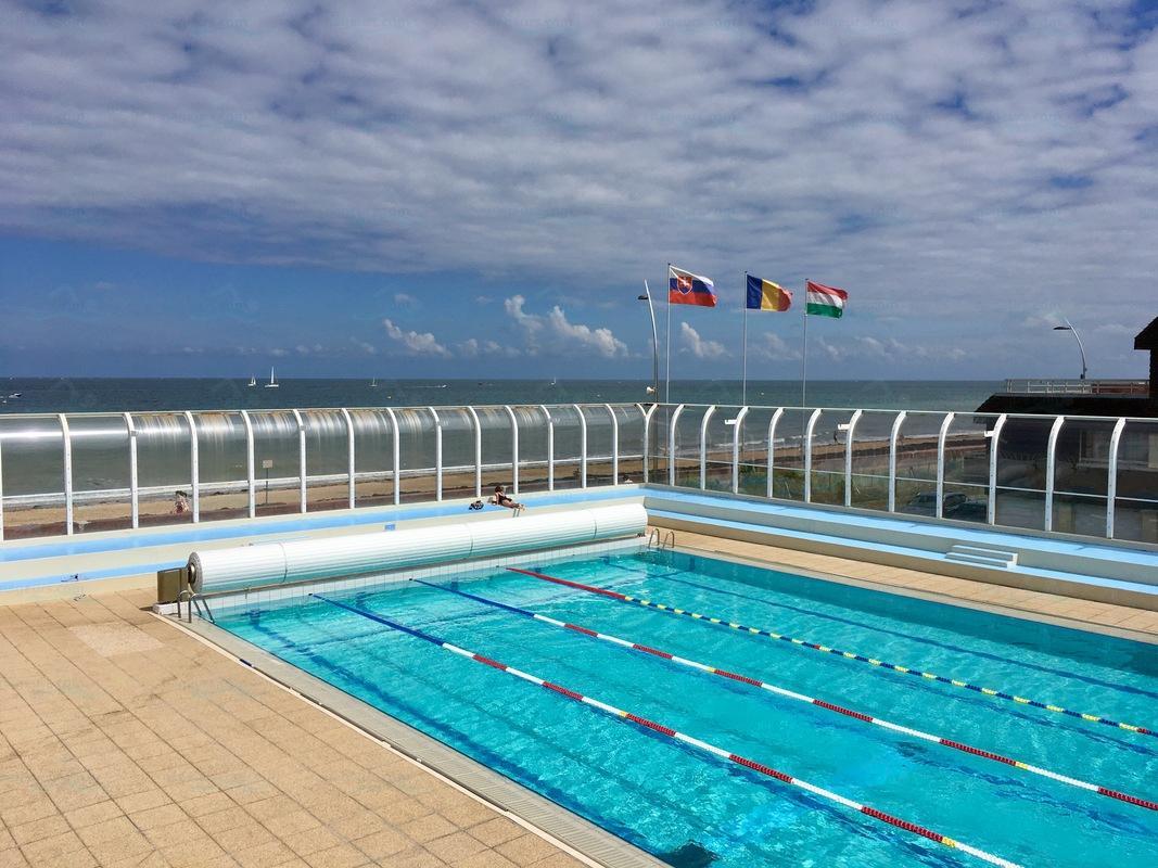 Photos piscine municipale de courseulles sur mer for Piscine fos sur mer