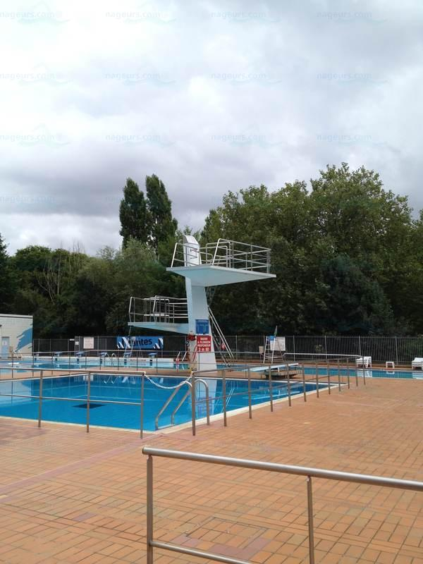 Le guide des 6 piscines de nantes for Piscine petit port