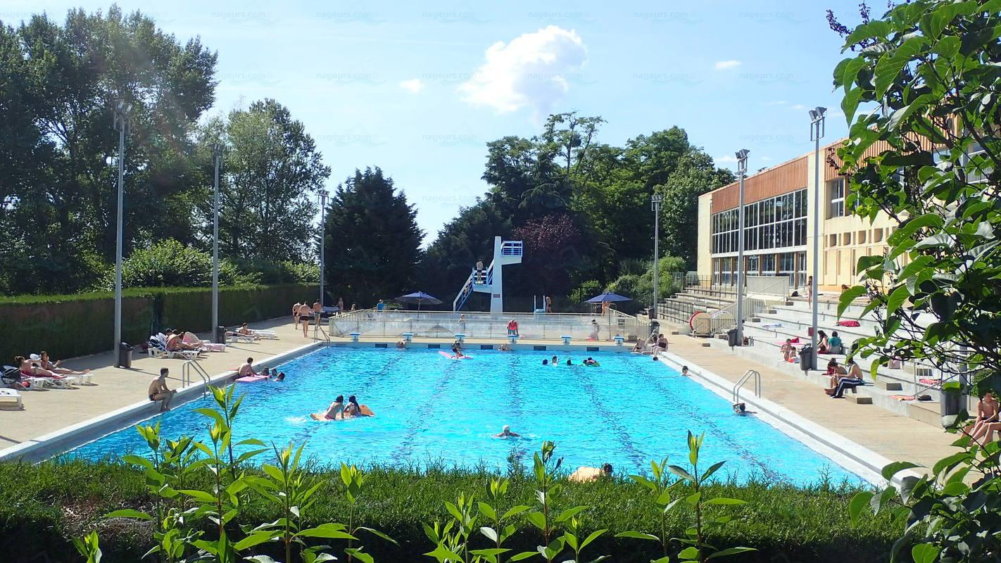 Piscines france centre les piscines loiret 45 for Buthiers piscine