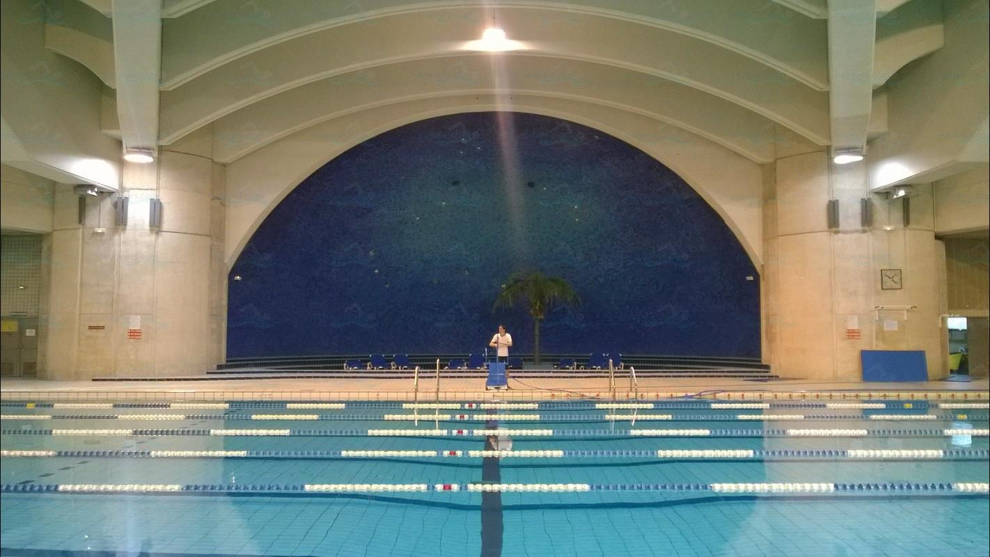 Le guide des 64 piscines de paris for Piscine les halles