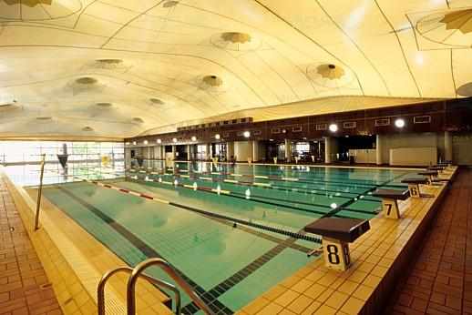 Articles les piscines du 19e arrondissement paris for Piscine 50m paris
