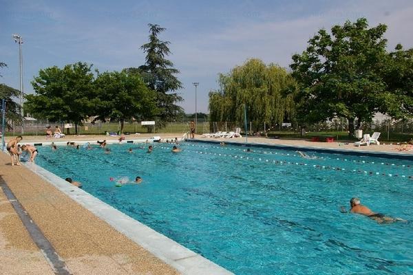 Piscines france rh ne alpes les piscines rh ne 69 - Piscine municipale les pennes mirabeau ...
