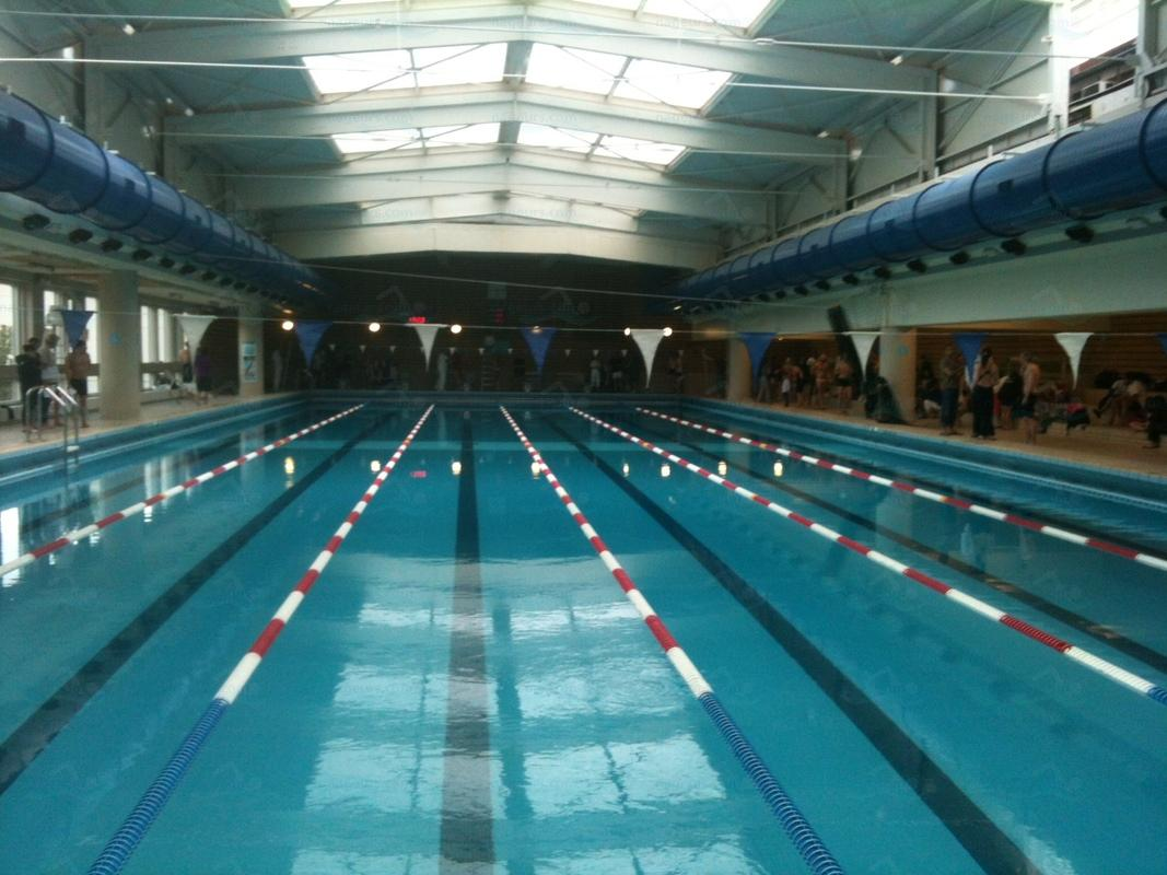 Le guide des 66 piscines de paris for Piscine bernard lafay
