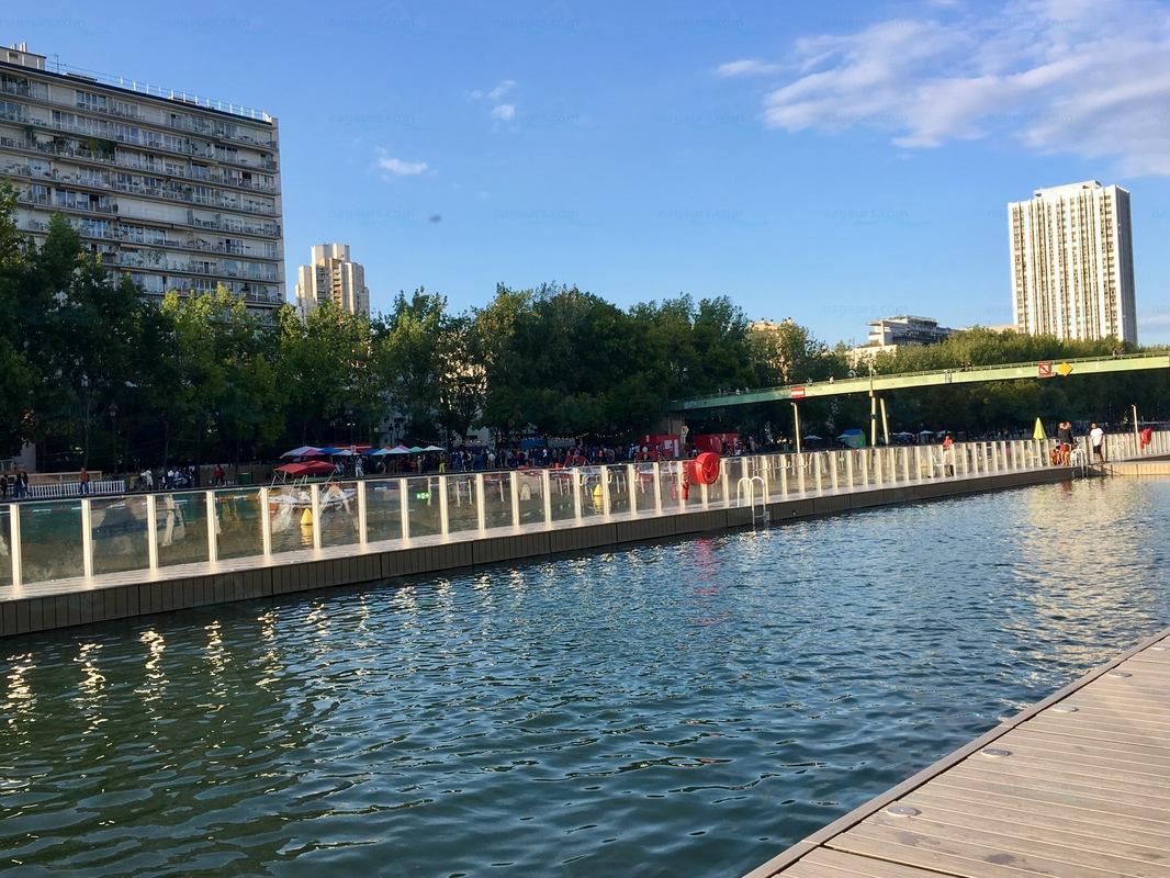 Le guide des 65 piscines de paris for Piscine 75012