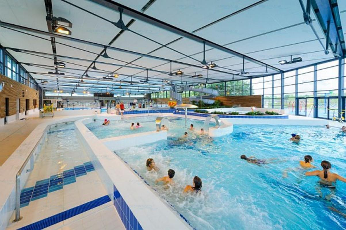 Photos centre aquatique la vague for Piscine surzur horaires
