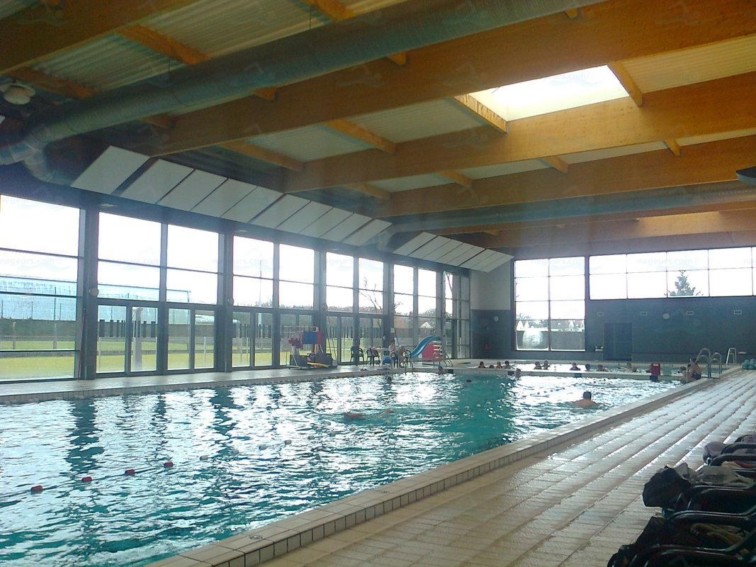 Piscines france centre les piscines loiret 45 for Piscine saintes horaires