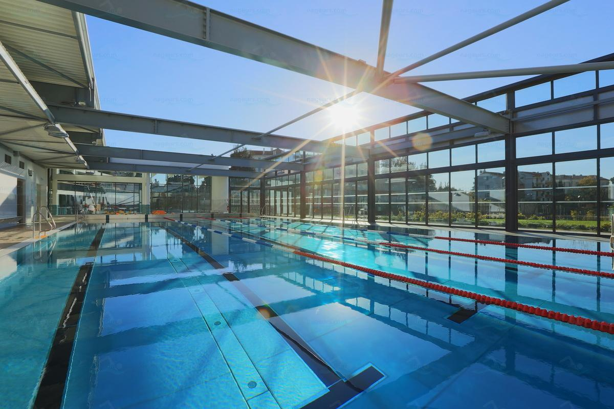 Photos piscine montfleury for Piscine campelieres