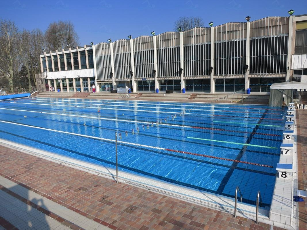 Les meilleures piscines en ext rieur proximit de paris for Piscine exterieur paris