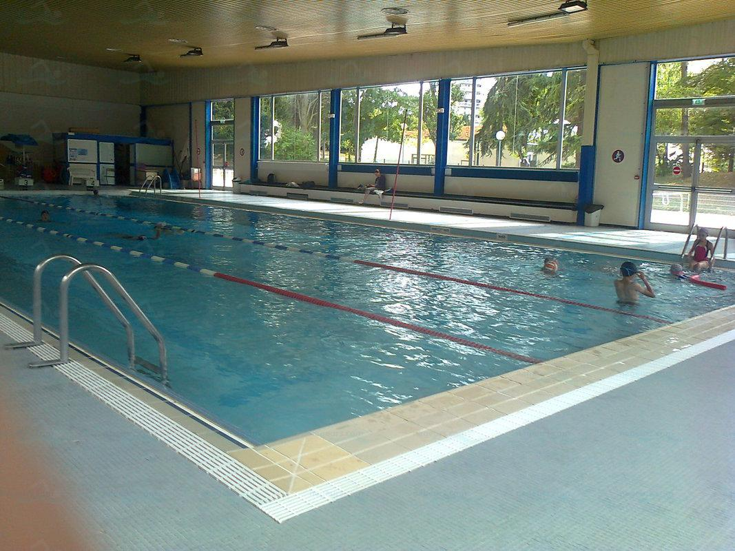 Piscines france ile de france les piscines yvelines for Piscine du chesnay
