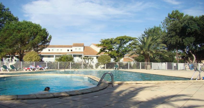 Photos pierre et vacances moliets for Aygueblue piscine