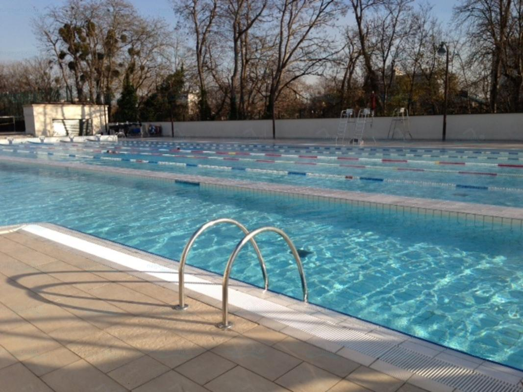 Le guide des 3 piscines de puteaux for Piscine 50m paris