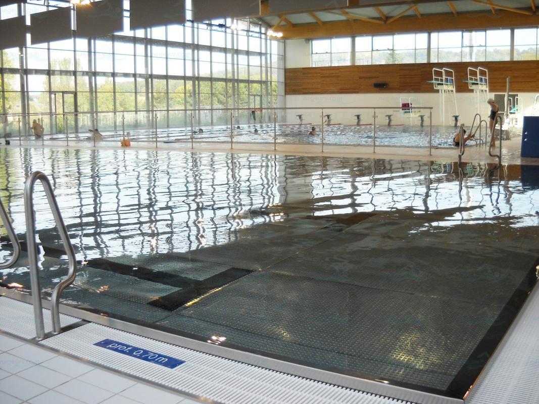 Piscines france ile de france les piscines val d for Piscine cergy prefecture