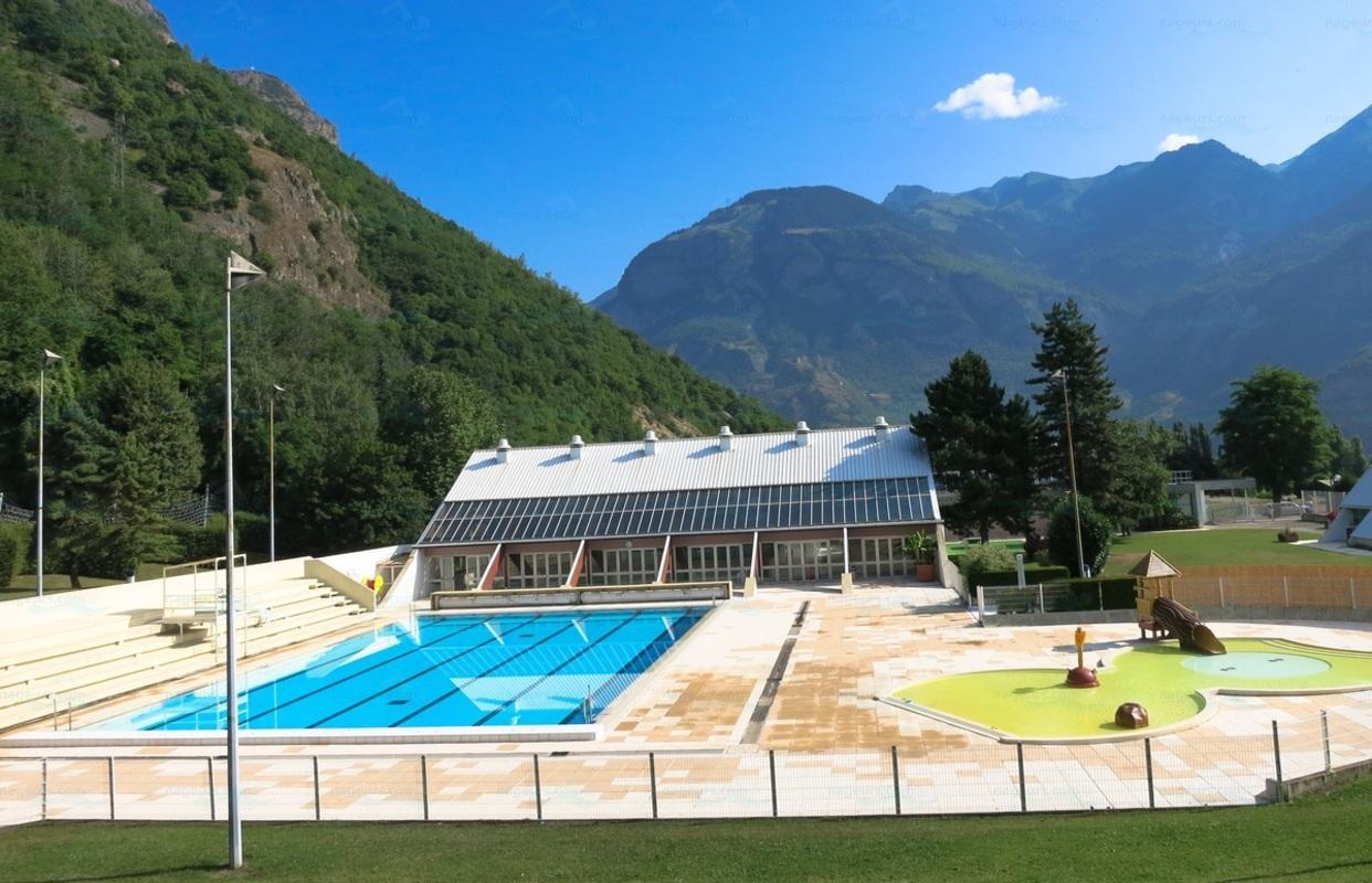 Piscines france rh ne alpes les piscines savoie 73 for Piscine de buisson rond